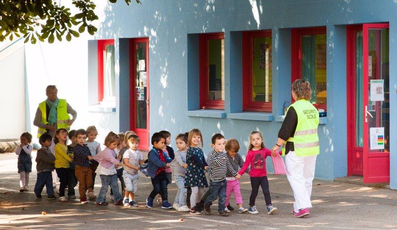 2-dc3a9part-restaurant-scolaire-des-maternelles-copie